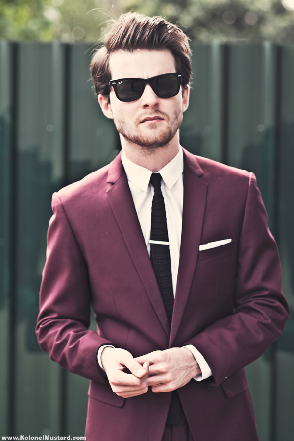 The gallery for maroon tie black suit for Black suit burgundy shirt